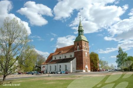 Valmieras Sv. Sīmaņa baznīca_450