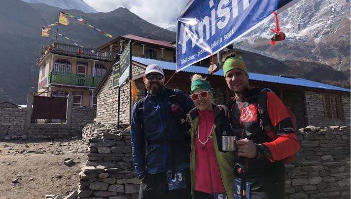 Trīs dullie Latvieši pasaules astotā augstākā kalna Manaslu pakājē ceturtās dienas finišā.