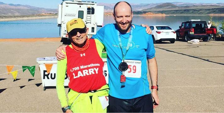 Larry – 1700+ maratons, Signis – trīspadsmitais